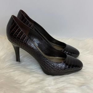 Ann Taylor Leather Embossed Heels Size 8.5 M